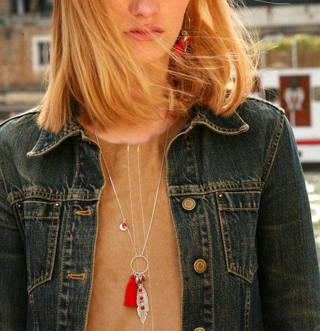 Sautoir Far away rouge en corail et cristal de roche sur chaine argent 925. Natacha Audier Paris