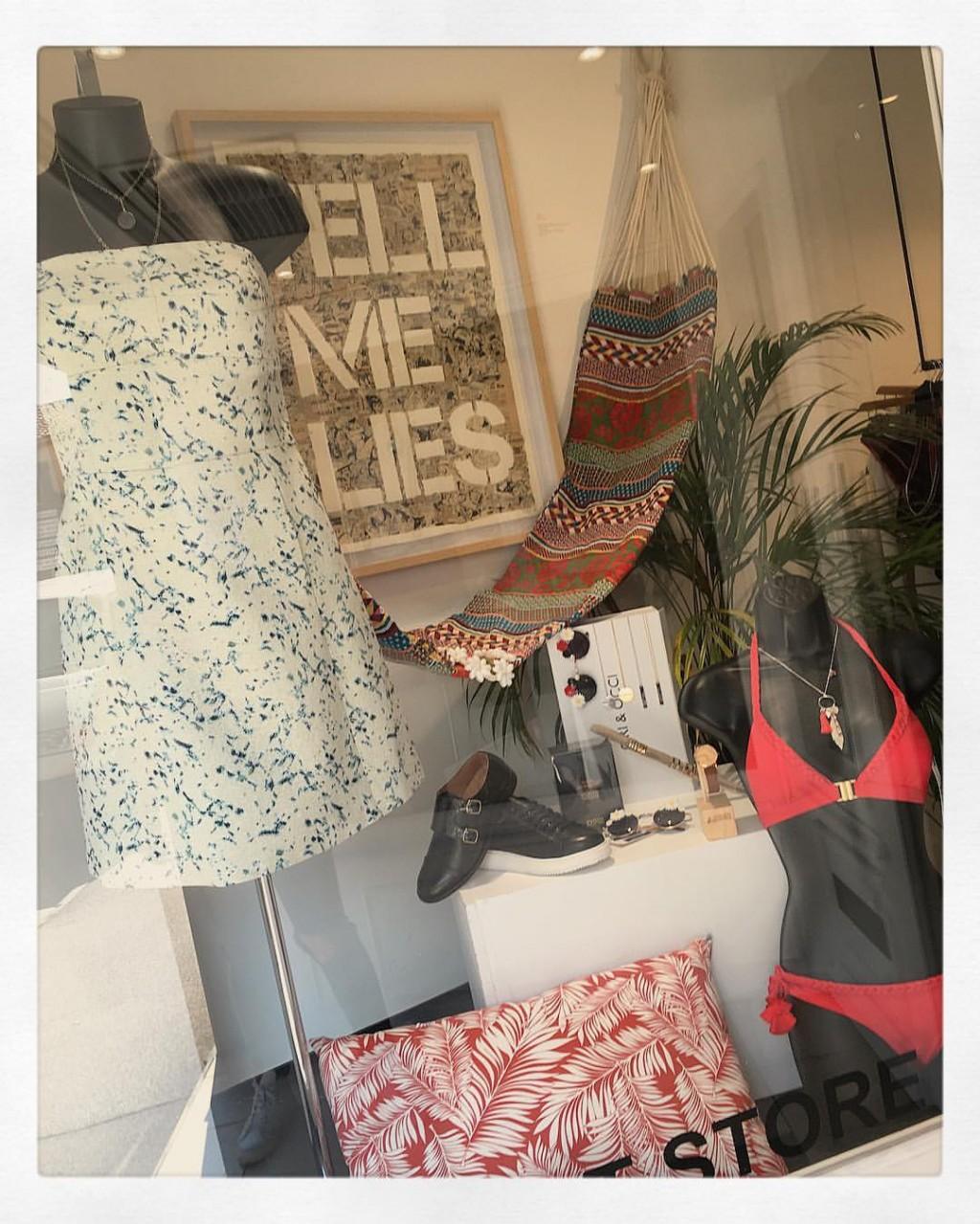 l'atelier des jeunes créateurs sautoir Far away rouge Natacha Audier Paris