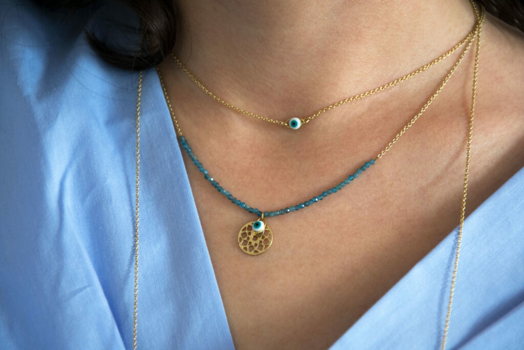 Collier oeil doré or fin 24kt et apatite Natacha Audier Paris